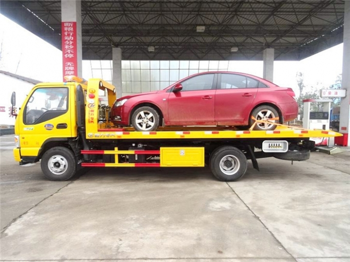 124 hp wreck towing truck