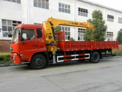 dongfeng 6 tons crane truck with