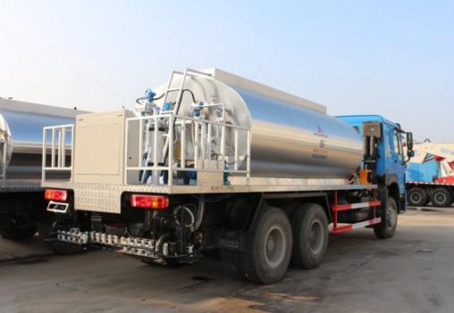 HOWO 10000 liter Bitumen Spray Truck