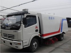 Dongfeng 4x2 Steet Cleaning Vehicle