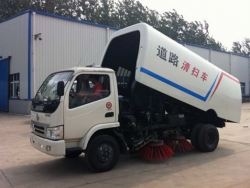 Dongfeng Oumark 95hp Road Sweeper Truck
