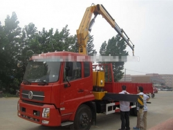 Dongfeng 6ton knuckle boom crane truck