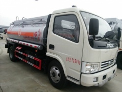 Dongfeng 4x2 capacity fuel tank truck
