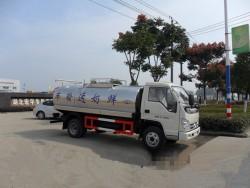 Forland 6 Wheels 5000liters Milk Insulated Truck
