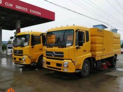DONGFENG TIANJINl 4x2 LHD road sweepers truck