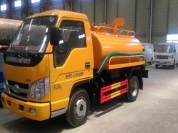 FOTON 4X2 minitype 3000L fecal suction truck