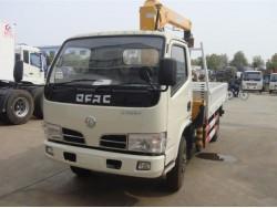 4*2 China 4 ton crane truck