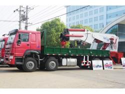 8*4 China 30 ton crane truck