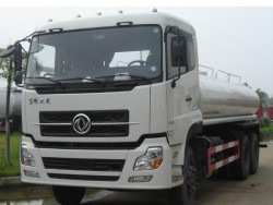 China 6x4 5800 gallon water tank truck