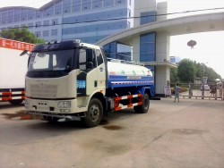 FAW J6 4X2 3500 gallon water trucks