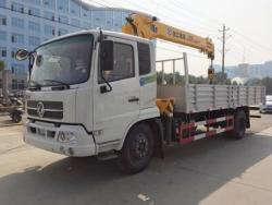Dongfeng 5 ton truck mounted crane