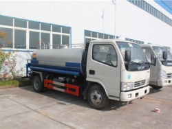 Dongfeng small water tank truck