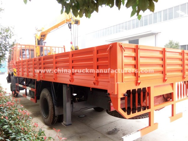 dongfeng 4*2 truck with crane truck mounted crane