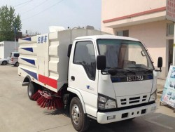 japanese brand 120ps road sweeper truck
