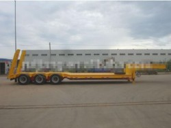 CIMC 60T lowbed machinery transport truck trailer