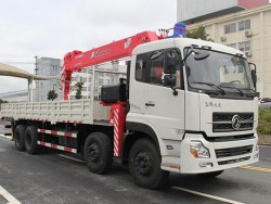 Dongfeng 8x4 Used 16 Ton Truck Crane