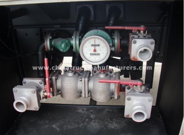 IVECO GENLYON 35000 liters 8x4 fuel tanker vehicle