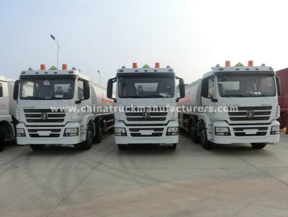 Shacman 8x4 35000L fuel transport truck