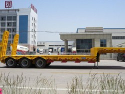 Lowbed semi trailer and trucks trailers for Africa,Kenya