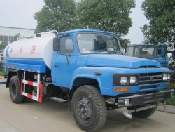 China 4x2 2100 gallon water tanker trucks