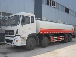 China 8x4 8000 gallon water tank truck