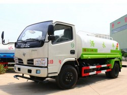 DONGFENG 4x2 1300 gallon water trucks