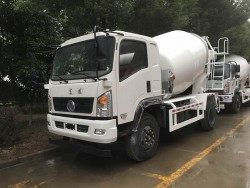Dongfeng 4x2 concrete mixer truck 4m3