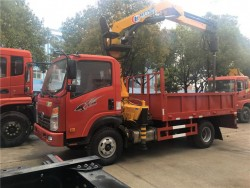 Heavy Duty 3 tons Crane Mounted Truck with Ground Digging Machine