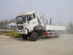dongfeng 4x4 6 ton folding arm truck with crane
